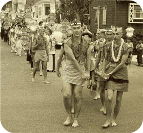 1960 Procession to the beach